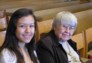 Vi Brown with her granddaughter, Glenda Valdez,